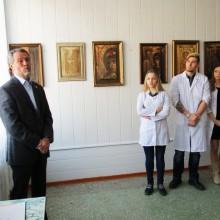Академическая выставка А.Тихомирова в Медицинской академии г. Благовещенска.