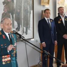 Участник ВОВ    И. П. .Черных на открытии выставки